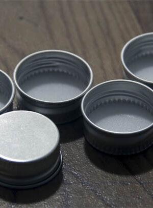 Tapa metálica r/27 para petaca y preforma